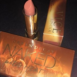 Gently used-Naked Petite Heat-lipsticks nvr used
